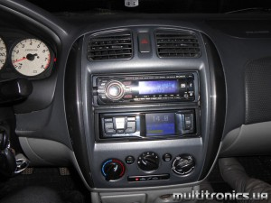 Mazda 323 RC 700